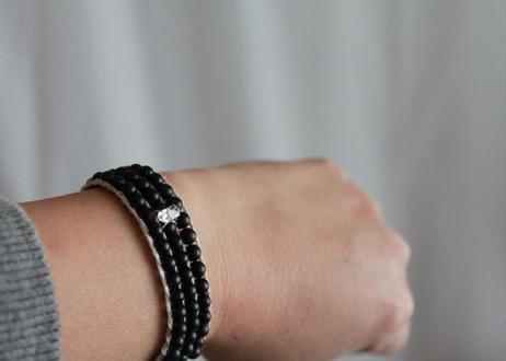 タペストリーの腕飾り 黒