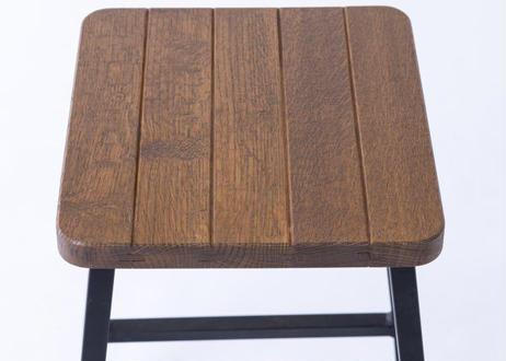 ワインやウイスキーの樽をリメイク。地球環境に配慮した釘不使用・樽材再生材の木製テーブルセット『Cask Reborn(カスク リボーン)』ハイテーブルS スツールセット