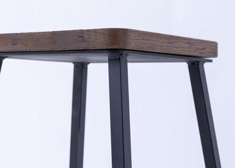 ワインやウイスキーの樽をリメイク。地球環境に配慮した釘不使用・樽材再生材の木製テーブルセット『Cask Reborn(カスク リボーン)』ハイテーブルL スツールセット