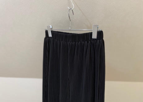 pleats trousers
