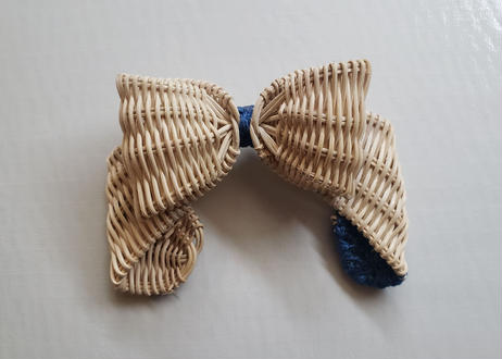 ribbon  broach        / blue