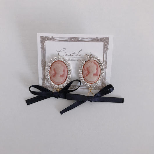 cameo ribbon