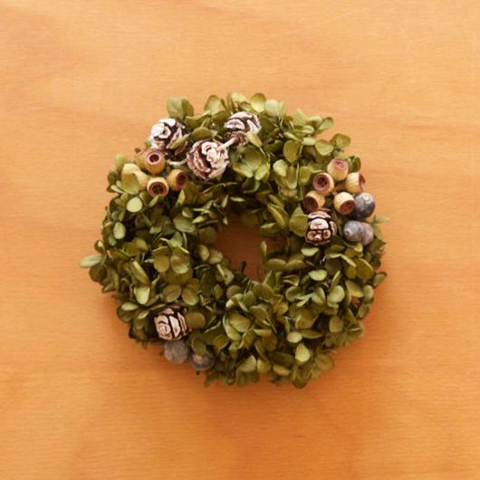 紫陽花と木の実のリース col.グリーン