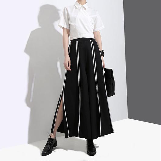 Stripedスリットワイドパンツ《BLACK/NAVY》
