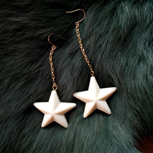 vintage lucite star pierce (small)
