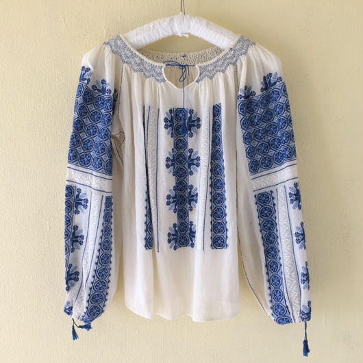 1970s Romanian embroidry blouse