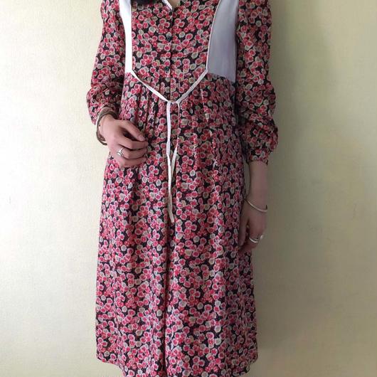 circa 1970s floral print dress