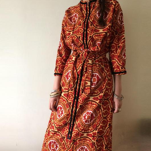 1970s Toguette dress robe