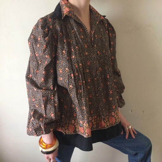 1970s UK flower tunic blouse