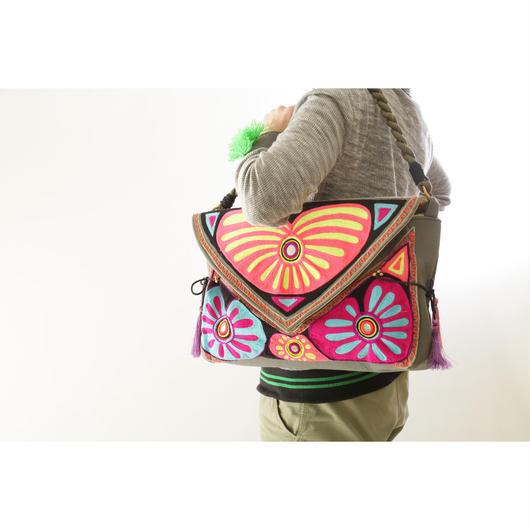 コットンキャンバスバッグ/ウール&ミラー刺繍/1418690