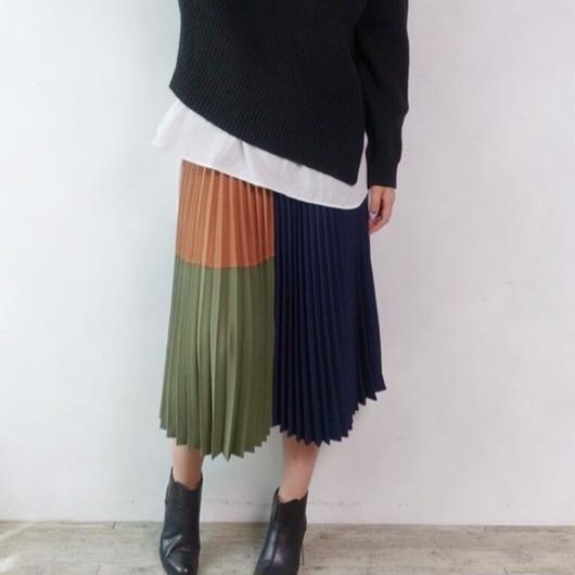 ミドル丈プリーツスカート