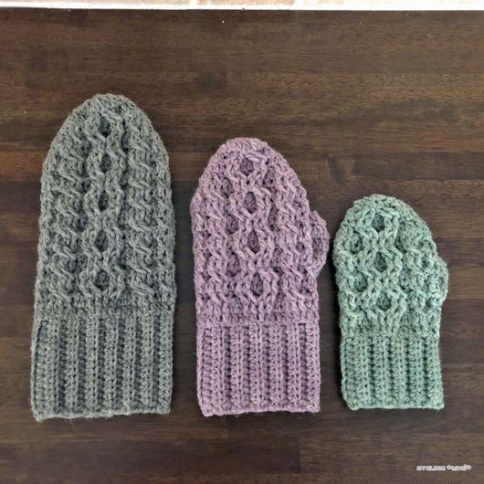 かぎ針編みで編むアラン模様風ミトン【3サイズ】