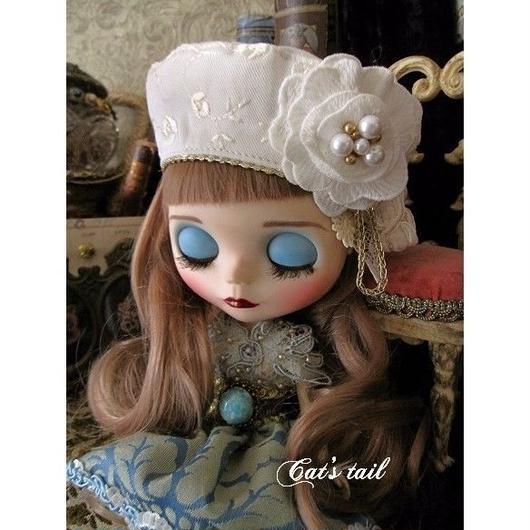ドールサイズ・白のお花模様・お嬢様風ベレー帽