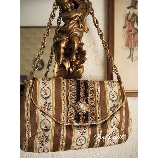 ヴィンテージファブリックのバッグ