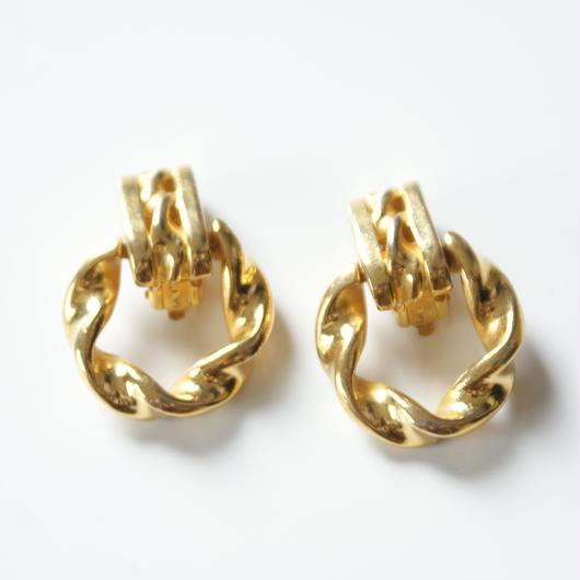 GIVENCHYジバンシィ ゴールド ツイスト フープイヤリング / ヴィンテージ・コスチュームジュエリー