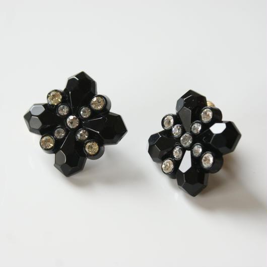 AVONエイボン ブラック ゴシック クロス ラインストーン イヤリング BOX箱付き/ ヴィンテージジュエリー・アクセサリー