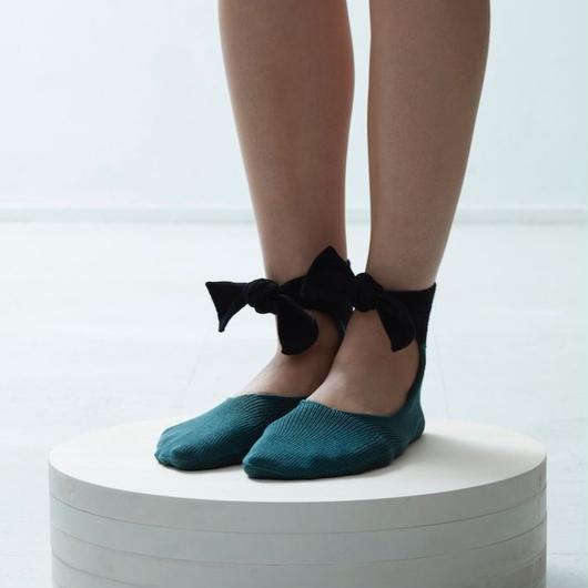 whole garment ballet socks