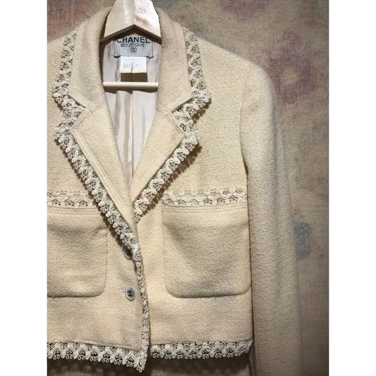 """Vintage """"CHANEL"""" 96P Tweed Jacket"""