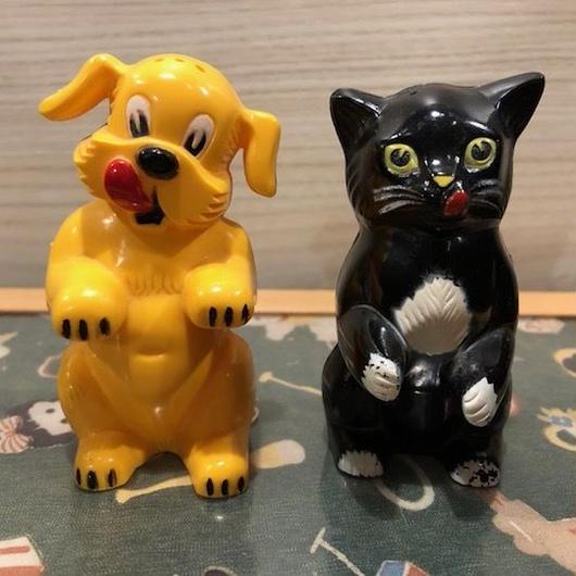 1960s Vintage Salt & Pepper Set  Dog & Cat