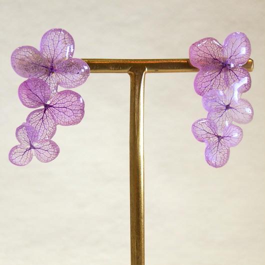 紫色の紫陽花の3連ピアス