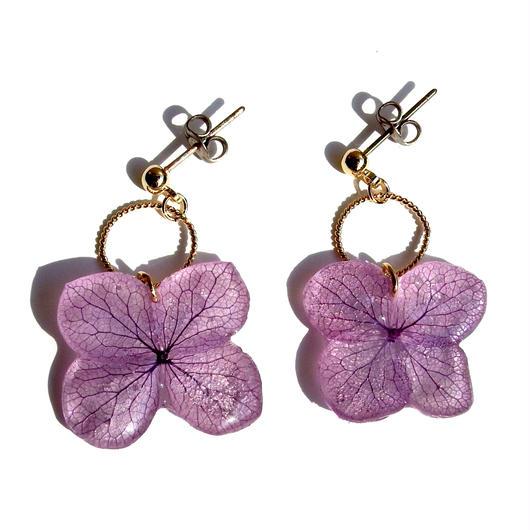 紫色の紫陽花のピアス