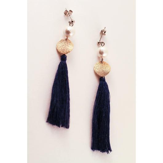 Blue tassel + cotton pearl earring/コットンパール+ブルータッセルのピアス