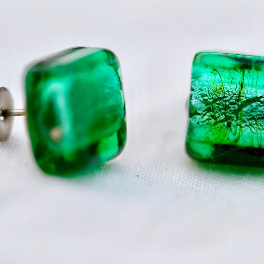 Green Venetian glass earrings/グリーンのベネチアングラスのピアス