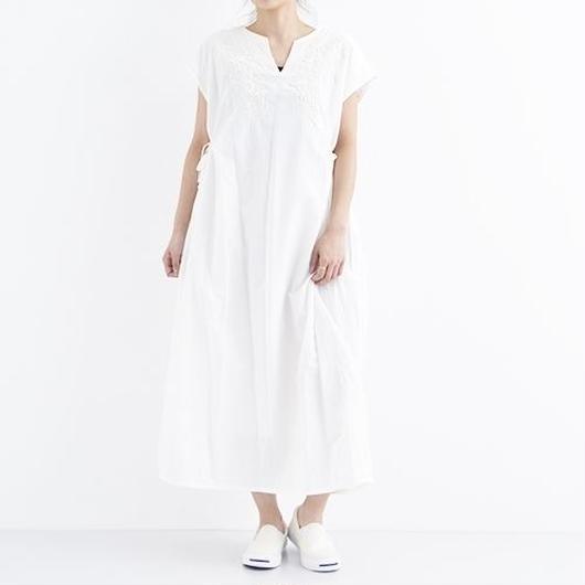 [1330op]刺繍入りコットンワンピース