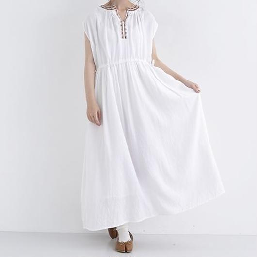 [1319op]エスニック刺繍ノースリーブワンピース