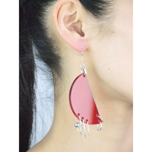 Azumi and David / COMPONENT EARRING HALF MOON / RED