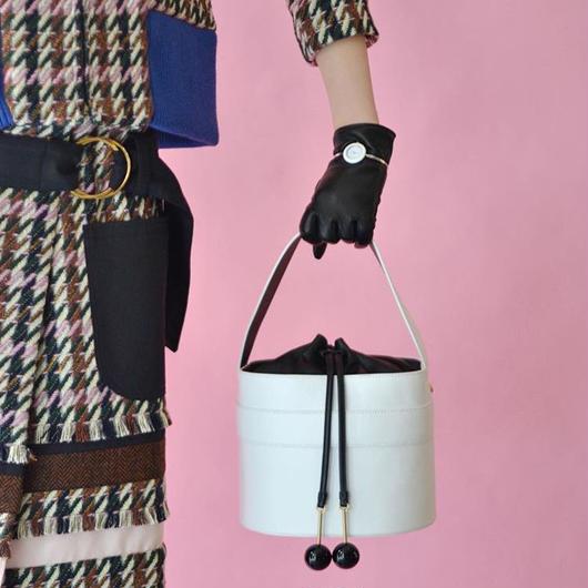 EUDON CHOI / MIRROR BUCKET BAG / WHITE