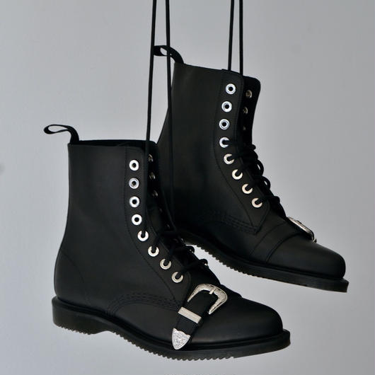 Dr.Martens / ULIMA 8 HOLE BOOTS