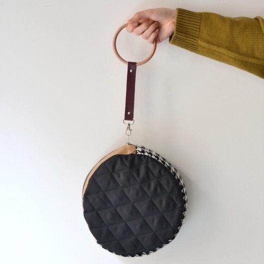【DELTA別注】KISHIDAMIKI CIRCLEBAG / BLACK x BROWN