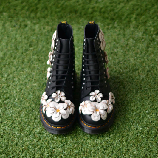Dr.Martens / CORE APPLIQUE 8 HOLE BOOTS