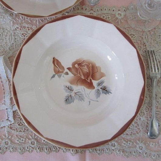 ディゴワン・サルグミンヌ薔薇モチーフ深皿(小)4枚セット