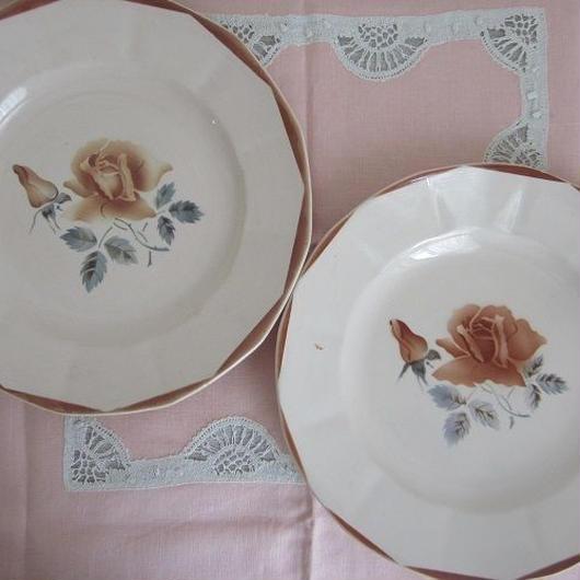 ディゴワン・サルグミンヌ薔薇モチーフ平皿(中)2枚セット