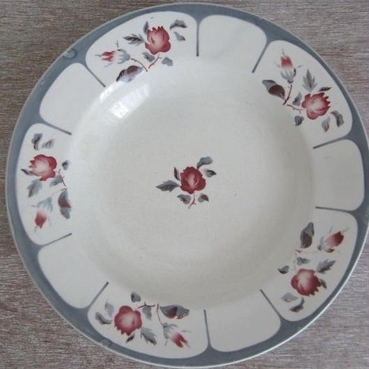 サルグミンヌ窯薔薇モチーフの深皿