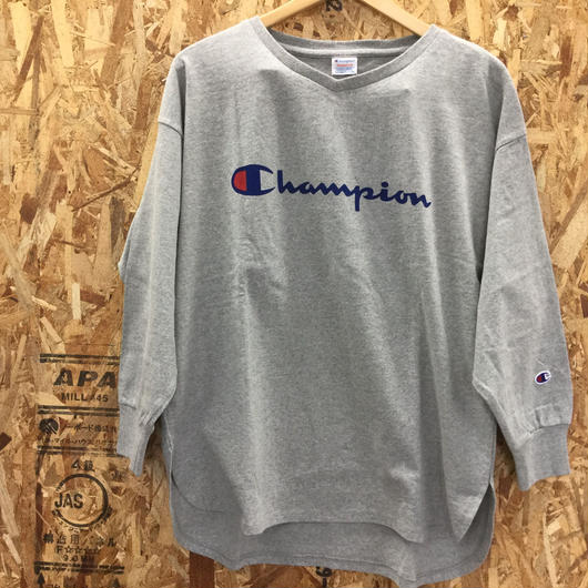 Champion Women's V-Neck Long Sleeve T-shirt