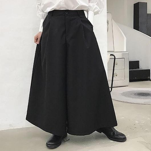 ブラックワイドパンツ