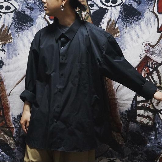 超oversize黒シャツ