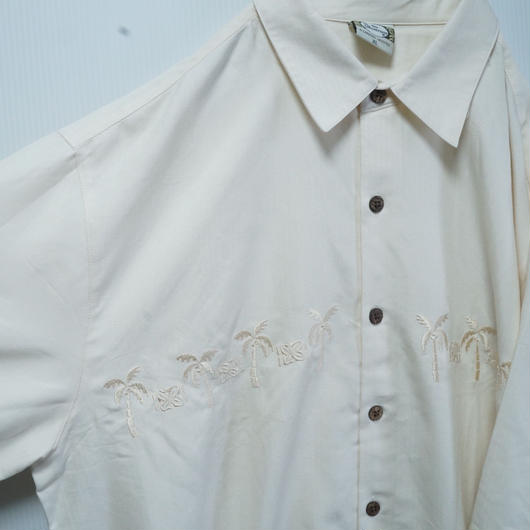 OVERSIZEヤシの木刺繍シャツ