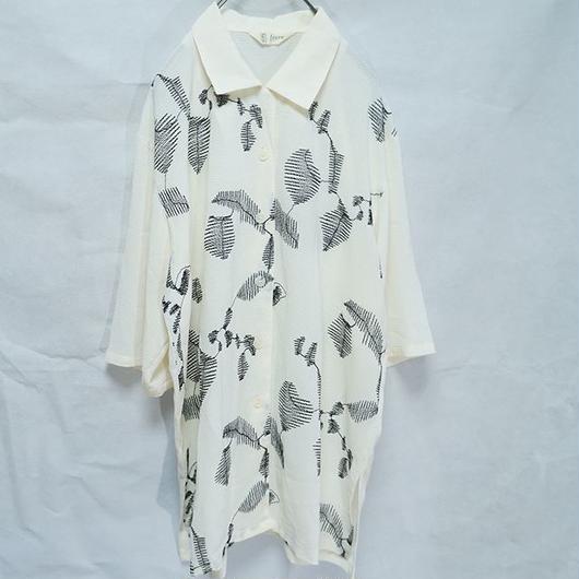 総柄刺繍シャツ