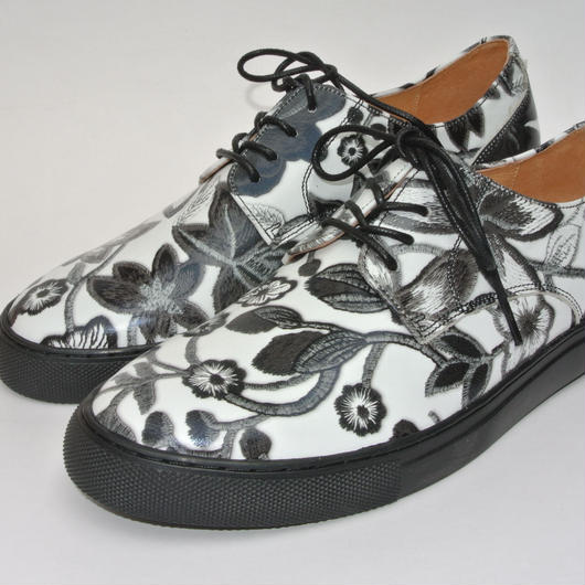 Flower Printed Plane Toe BLACK