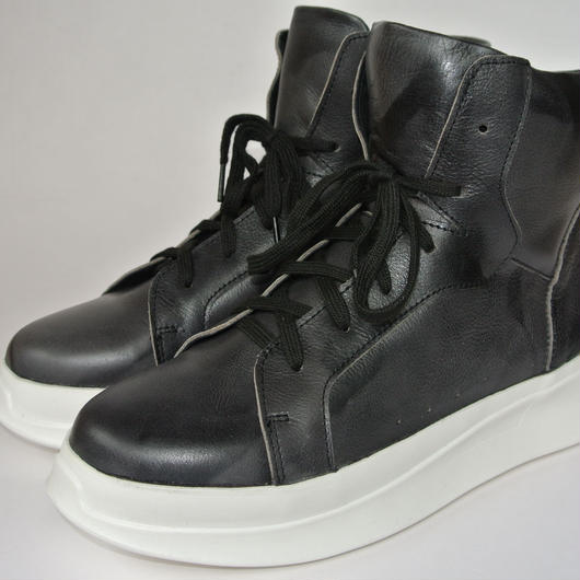 Platform High Top BLACK