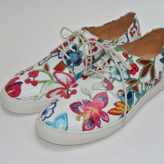 Flower Printed Plane Toe WHITE