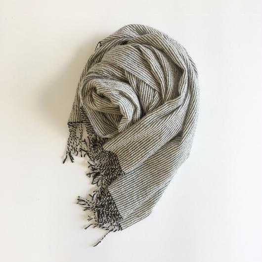 手織りカシミヤラムウールショール(ピンストライプ ブラック×ホワイト)