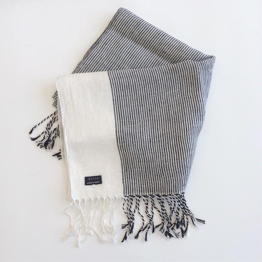 手織りシルクリネンのショール(ピンストライプ長 ブラック×ホワイト)