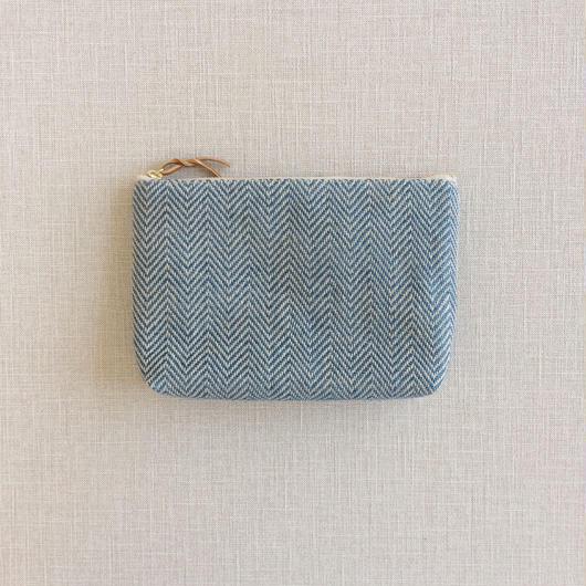 手織り布メイクポーチ ( Indigo blue herringbone)