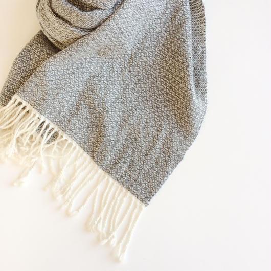 手織りのカシミヤショール(Light Gray Flower)