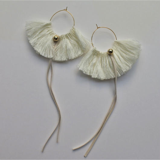 fringe hoop pierce #white
